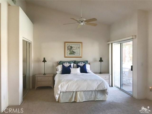 77528 Westbrook Court, Palm Desert CA: http://media.crmls.org/medias/74c4ae7a-b93f-474b-85cd-7eb061d7c8b4.jpg