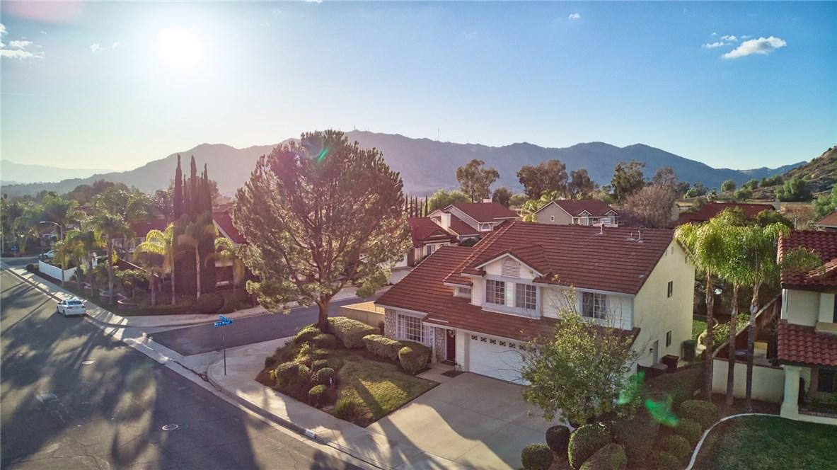 10271 Canyon Vista Road, Moreno Valley CA: http://media.crmls.org/medias/74c573de-a194-4f48-86e7-1d4b3b75e19c.jpg