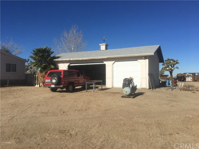 Residential for Sale at 13722 Eaby Road 13722 Eaby Road Phelan, California 92371 United States