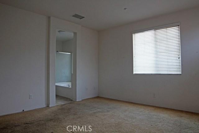 15412 Thistle Street, Fontana CA: http://media.crmls.org/medias/74d865d7-3a20-42d9-98e7-436c744927f3.jpg