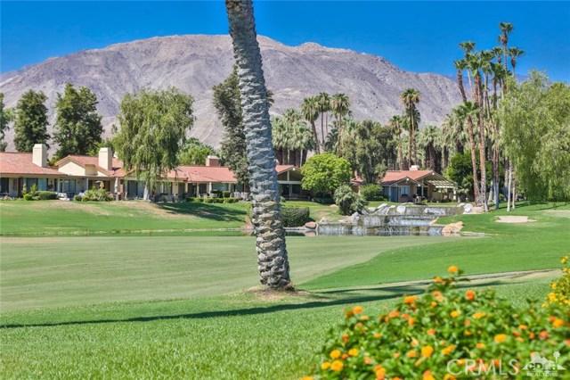 241 Castellana, Palm Desert CA: http://media.crmls.org/medias/74de270f-2b9b-4c7c-b236-2d4b8b0d181c.jpg