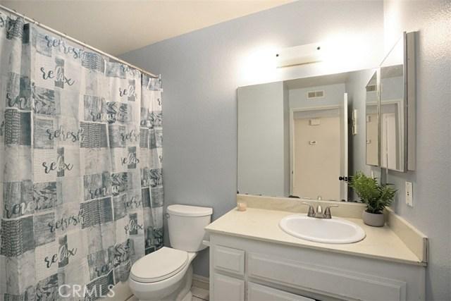 1727 Melrose Avenue, Chula Vista CA: http://media.crmls.org/medias/74e31e7f-4fe9-45cf-a709-f4ec1cebbbae.jpg