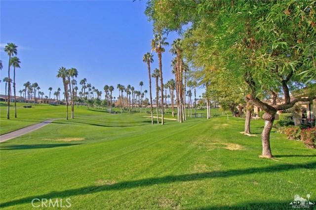 76235 Poppy Lane, Palm Desert CA: http://media.crmls.org/medias/74e974d0-dcaf-449c-88a7-cea428ddb510.jpg
