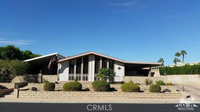 39540 Manzanita Drive, Palm Desert CA: http://media.crmls.org/medias/74ec8885-c824-4f60-8a6c-8582e9379cc4.jpg