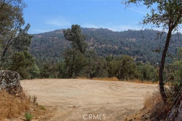 2374 Green Hills Road, Mariposa CA: http://media.crmls.org/medias/74f3b0ed-5c66-4f6e-9975-095f2014a723.jpg