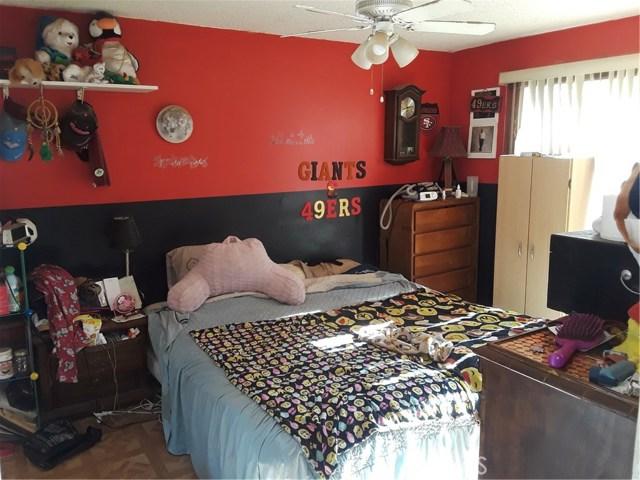 17617 Sutherland Avenue, Lake Elsinore CA: http://media.crmls.org/medias/7511a30c-0853-469c-a150-5d8099fb4739.jpg