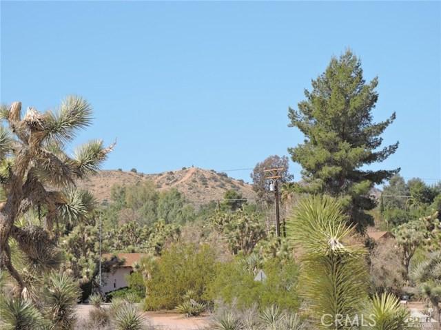 8040 Sage Avenue, Yucca Valley CA: http://media.crmls.org/medias/7519bf18-b999-44e0-aa74-9365663c7f0d.jpg