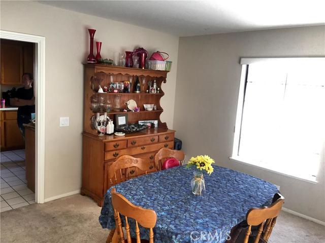 8081 Escondido Avenue,Oak Hills,CA 92344, USA
