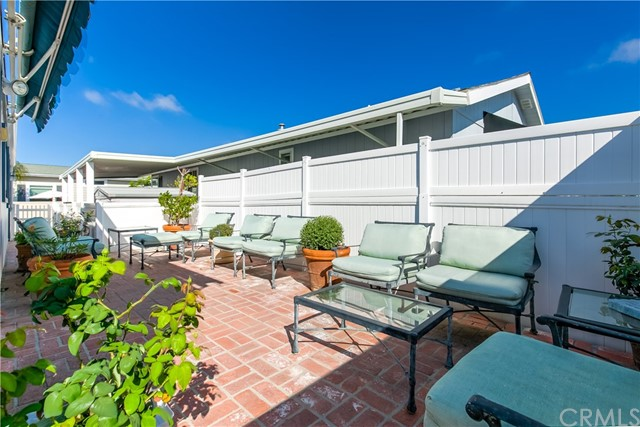 279 Cambridge Way, Newport Beach CA: http://media.crmls.org/medias/752d7a86-3fe1-4f23-8b33-ad9b7da464d4.jpg