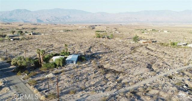 26201 Hopper Road, Desert Hot Springs CA: http://media.crmls.org/medias/752f0686-f45c-4b37-92c0-da54e6585a4a.jpg