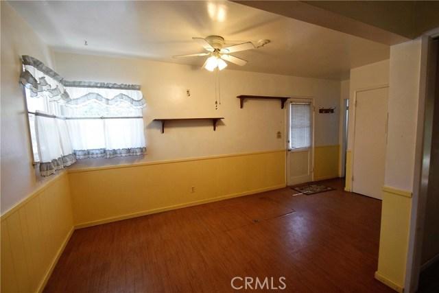 7354 Garden Street, Riverside CA: http://media.crmls.org/medias/7540e5f5-58c8-459c-a899-73a6e84043ef.jpg