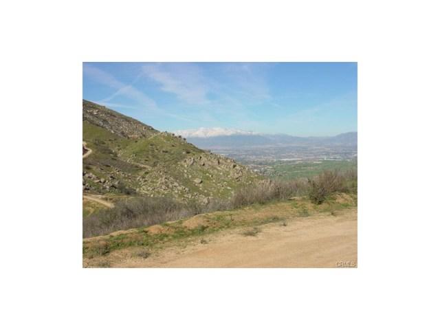 9325 JODEN RD, Moreno Valley CA: http://media.crmls.org/medias/75447460-b1a9-487f-8d6a-2cd385c26a74.jpg