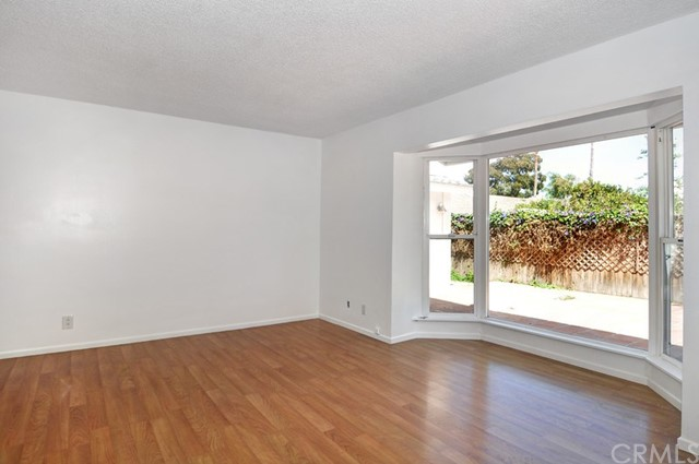 620 Michael Place, Newport Beach CA: http://media.crmls.org/medias/755be2fd-08c9-406a-b457-e7add654e65b.jpg