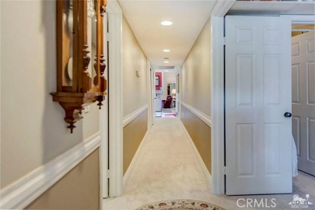 74921 Chateau Circle, Indian Wells CA: http://media.crmls.org/medias/755ca744-b63c-4f60-b566-56cfe2aff955.jpg