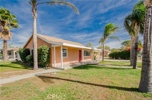 9491 Palm Lane, Fontana CA: http://media.crmls.org/medias/75882d79-4f71-494d-843f-1db487dee6ff.jpg