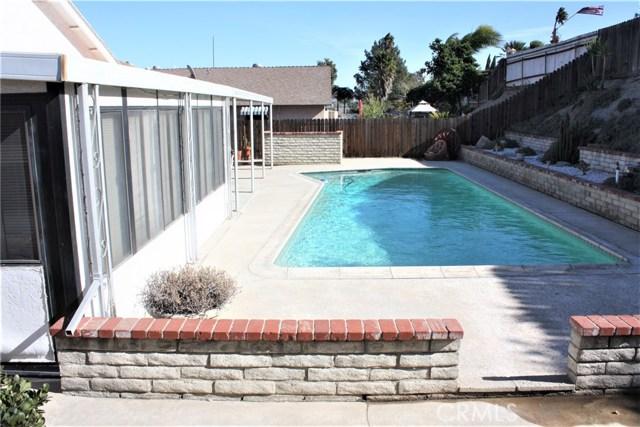 5980 Kitty Hawk Drive, Riverside CA: http://media.crmls.org/medias/75ac81d1-2598-4eef-9ff2-930af4420c85.jpg