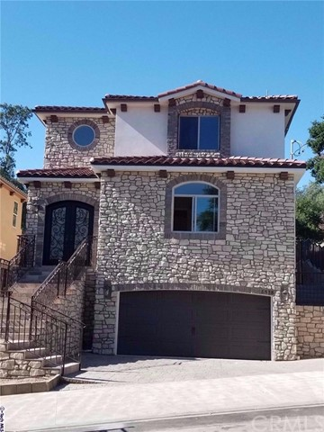 Single Family Home for Sale at 8818 Yates Street Sunland, California 91040 United States