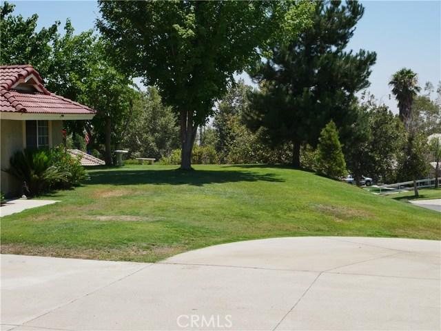 3738 W Meyers Road, San Bernardino CA: http://media.crmls.org/medias/75b8d984-2b5f-4b80-9e25-0d28f81d0391.jpg