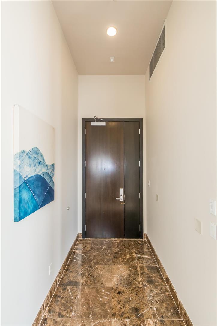 702 S SERRANO Avenue, Los Angeles CA: http://media.crmls.org/medias/75be3122-2ec1-43f4-a9cd-efd64944f05e.jpg