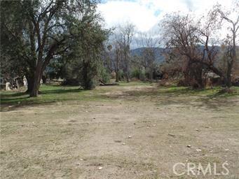 824 E Lakeshore Drive, Lake Elsinore CA: http://media.crmls.org/medias/75c608f6-1c5f-4646-8f7f-da5e5e0f55b0.jpg