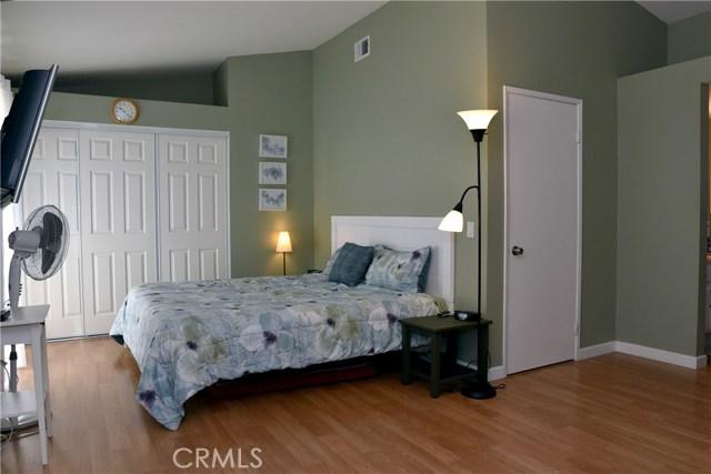 9379 Delfern Lane, Riverside CA: http://media.crmls.org/medias/75d097cb-d2e5-4958-9011-7351fe92002e.jpg