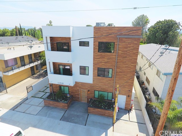 Single Family for Sale at 11918 Vanowen Street North Hollywood, California 91605 United States