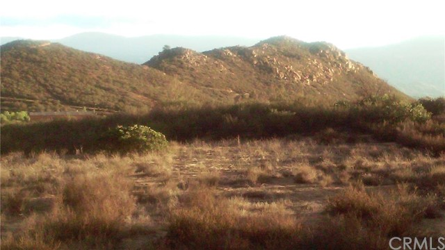 0 lot 1 Oak Canyon, Hemet CA: http://media.crmls.org/medias/75d579b2-7136-4e5c-868b-df24a341ada9.jpg