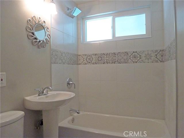 12660 Judd Street, Pacoima CA: http://media.crmls.org/medias/75d7a590-d799-4175-b32f-0c1e235c83f1.jpg