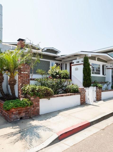 1011 Manhattan Ave, Hermosa Beach, CA 90254