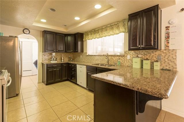 5535 N Riverside Avenue, Rialto CA: http://media.crmls.org/medias/75e9f734-4834-45ef-9a05-80b02ca20632.jpg