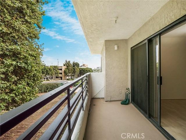 280 Cagney Lane, Newport Beach CA: http://media.crmls.org/medias/75ec2014-f98c-42e0-af42-280467e64a7d.jpg