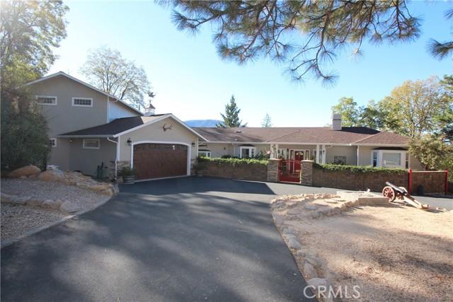 9183 Fox Drive, Cobb CA: http://media.crmls.org/medias/7609bf17-c710-42e0-9534-b78d23692d55.jpg