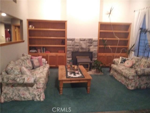8462 Mesa Linda Street, Oak Hills CA: http://media.crmls.org/medias/760ea554-c991-4fef-8252-7be873dfc738.jpg