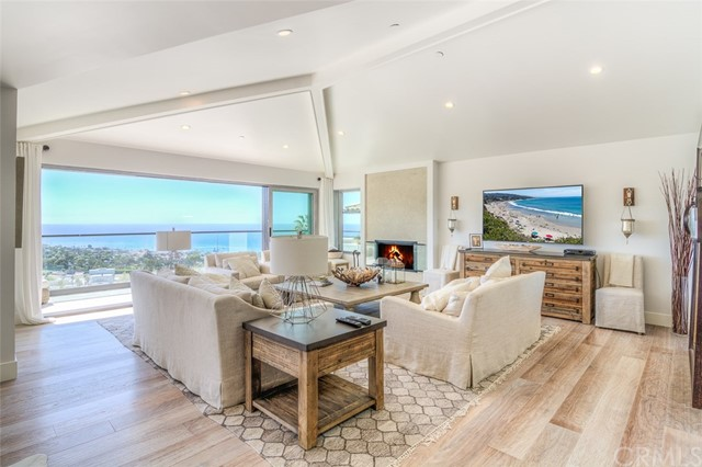 Single Family Home for Sale at 677 Mystic Way Laguna Beach, California 92651 United States