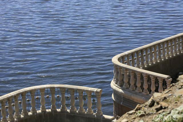 303 BIG RANGE, Canyon Lake CA: http://media.crmls.org/medias/761bf3b4-6283-4cea-8e9e-952fda1b4cf8.jpg