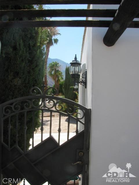 1420 Rosarito Way, Palm Springs CA: http://media.crmls.org/medias/7621d563-1797-4221-a2a4-c4e4426b674f.jpg