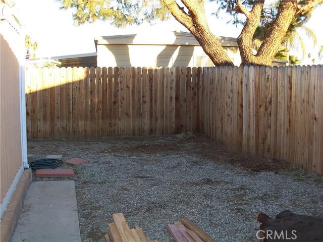 441 SANTA CLARA CIRCLE, HEMET, CA 92543  Photo 4