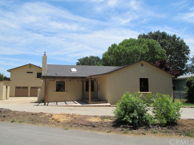 16555 Walnut Avenue, Atascadero, CA 93422