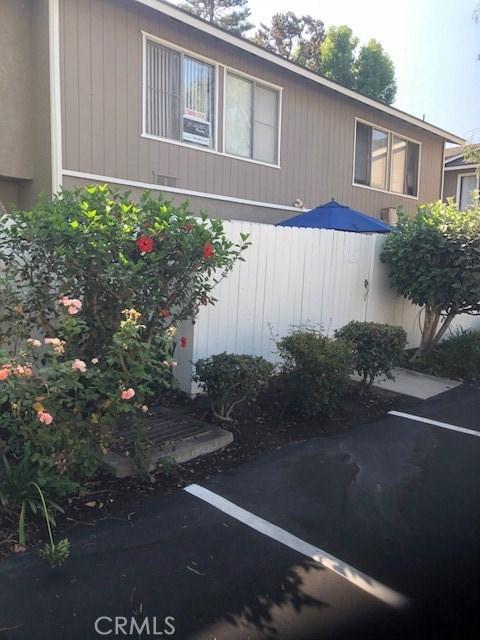 8429 El Arroyo, Huntington Beach CA: http://media.crmls.org/medias/762c48ac-f511-4259-b64a-74e786cae443.jpg