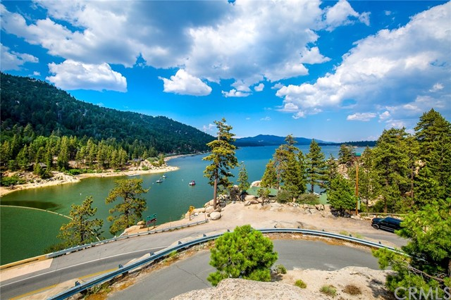 42355 Heavenly Valley Road, Big Bear CA: http://media.crmls.org/medias/7636d1c3-fa09-44bb-a120-f149993725b3.jpg