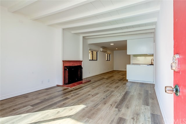201 38th Street, Manhattan Beach CA: http://media.crmls.org/medias/7643e29f-d0d5-4950-a425-43b43666d158.jpg