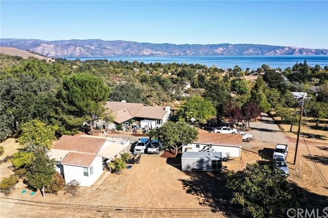 847 Crystal Lake Way, Lakeport CA: http://media.crmls.org/medias/76464153-182d-4d72-9e7c-5286cb36425e.jpg