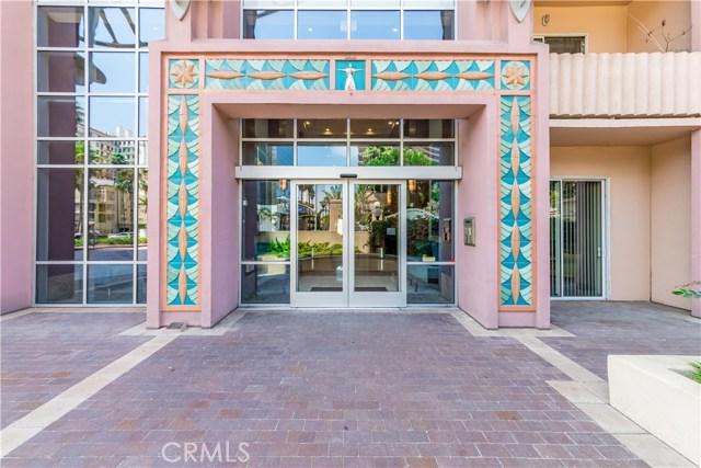 388 E Ocean Boulevard, Long Beach CA: http://media.crmls.org/medias/7646b7a9-be22-464f-8d9f-f4be20ce1c68.jpg