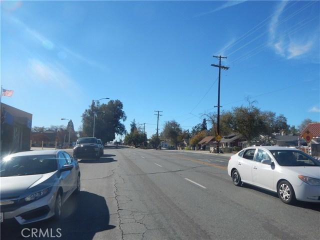 975 Beaumont Avenue, Beaumont CA: http://media.crmls.org/medias/765c1a96-3810-4363-beb0-1a1707e40b9e.jpg