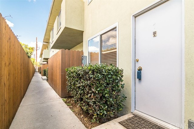 1950 Cloverfield Bl, Santa Monica, CA 90404 Photo 15