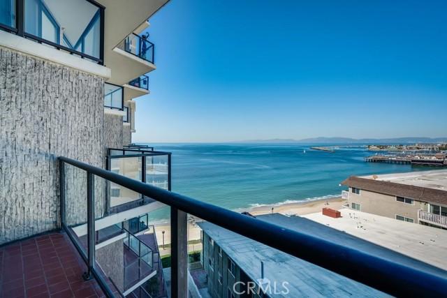 531 Esplanade, Redondo Beach CA: http://media.crmls.org/medias/7677291a-0caa-45c9-ba2e-9b0ccd6056ab.jpg