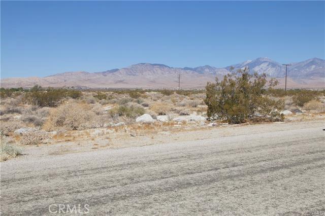 5 Kay Road, Desert Hot Springs CA: http://media.crmls.org/medias/7685b3ef-6e5a-472a-bf97-b67fa9e8e1bc.jpg