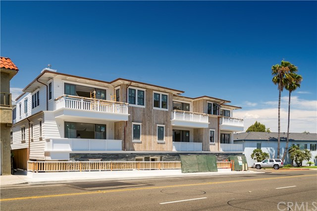 760 Center Place  Manhattan Beach CA 90266