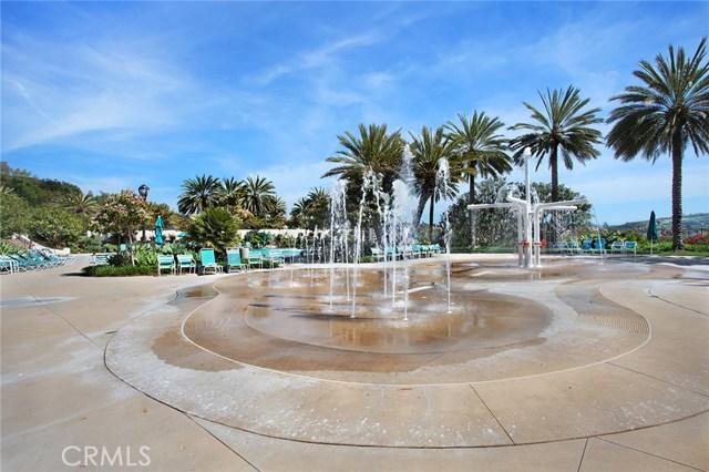 40 Calle De La Luna, San Clemente CA: http://media.crmls.org/medias/76a186b3-d024-424f-84ca-f6c1fbf829ea.jpg