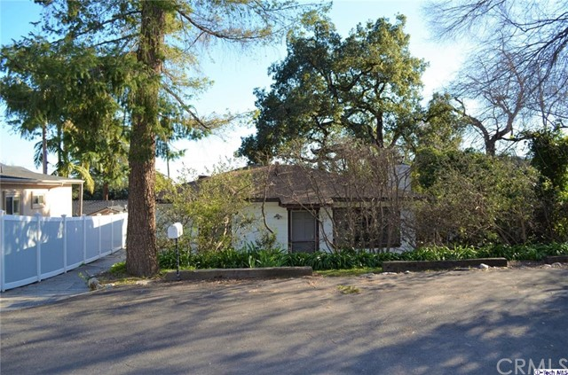 2266 Daisy Lane La Canada Flintridge, CA 91011 is listed for sale as MLS Listing 317001663